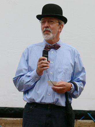 Peter Schade-Didschies beim Freiluftkino 2009 im Kinomuseum Vollbüttel