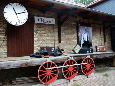 """Deko """"Chicago Central Station"""" beim Freiluftkino 2011 im Kinomuseum Vollbüttel"""