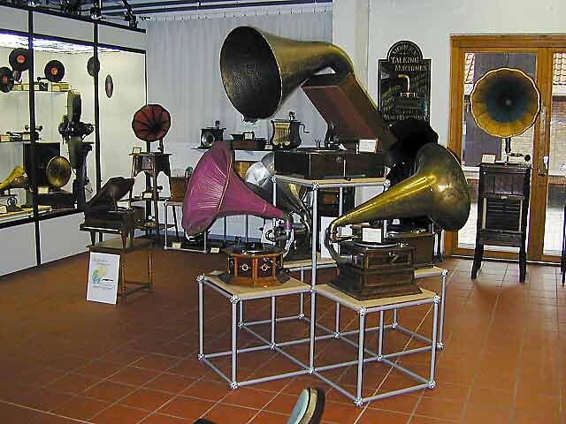 Grammophon-Ausstellung-2002_01