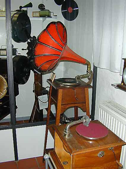 Grammophon-Ausstellung-2002_05